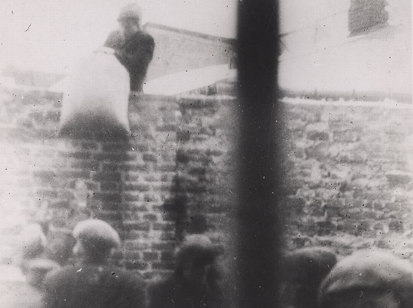 Cliché n°4 - Ghetto de Varsovie, 1940-1944. Photo: Anonyme, fonds Ringelblum. © Mémorial de la Shoah.