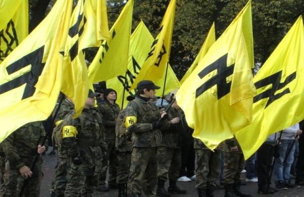 Activistes du parti pro-nazi Svoboda