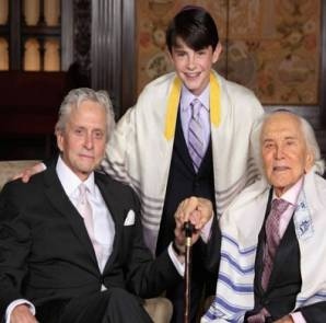 Kirk-Douglas-grandson-bar-mitzvah-pic1-965x543
