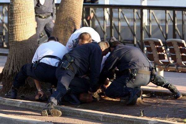 France un allah akbar agresse 11 personnes g es for Police cannes