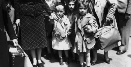 Jewish refugee children from Germany and Austria arrive at Liverpool Street Station in London at the start of World War II, 5th July 1939. (Photo by Topical Press Agency/Hulton Archive/Getty Images)